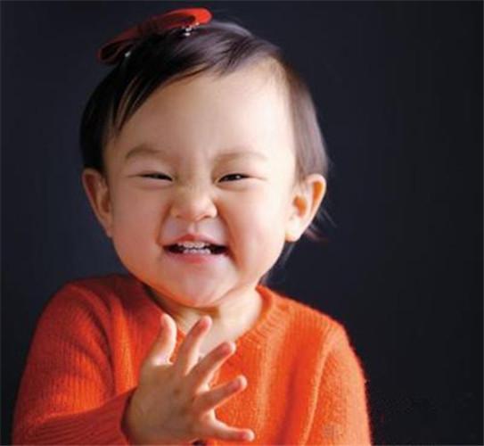 可爱噘嘴小女孩头像