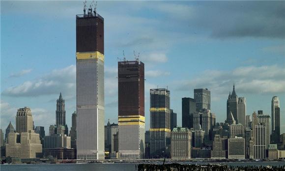 纽约世贸双子大厦在美国人心里占据着什么样的位置?