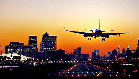 """阿里巴巴制造上海""""未来机场"""""""