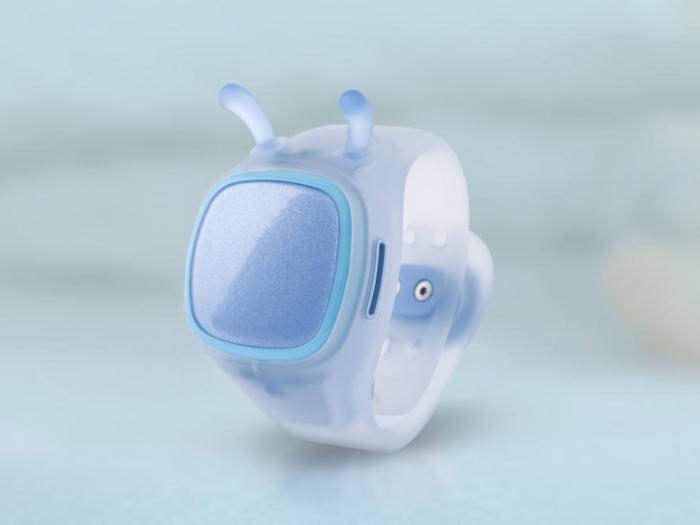 糖猫儿童智能手表在外观上就属于这个年龄段孩子乐于