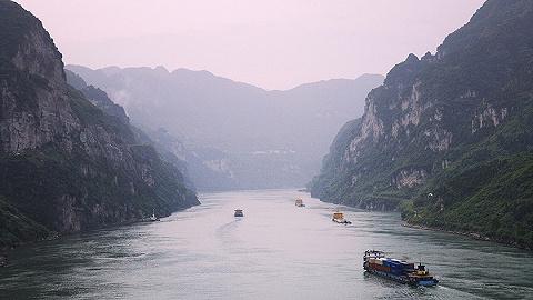 长江跨省治理难题如何破解?首个国家层面流域水质监测预警办法出台