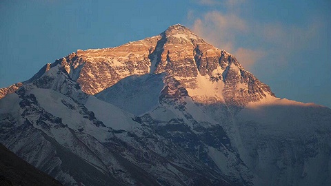 珠峰大本营关闭对旅游有影响吗?我们和当地导游聊了聊