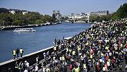 """巴黎""""黄背心""""示威进入第23周,抗议者:穷人比圣母院的石头更需要钱"""