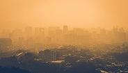 北京降雨后迎沙尘,PM10达重度-严重污染级别
